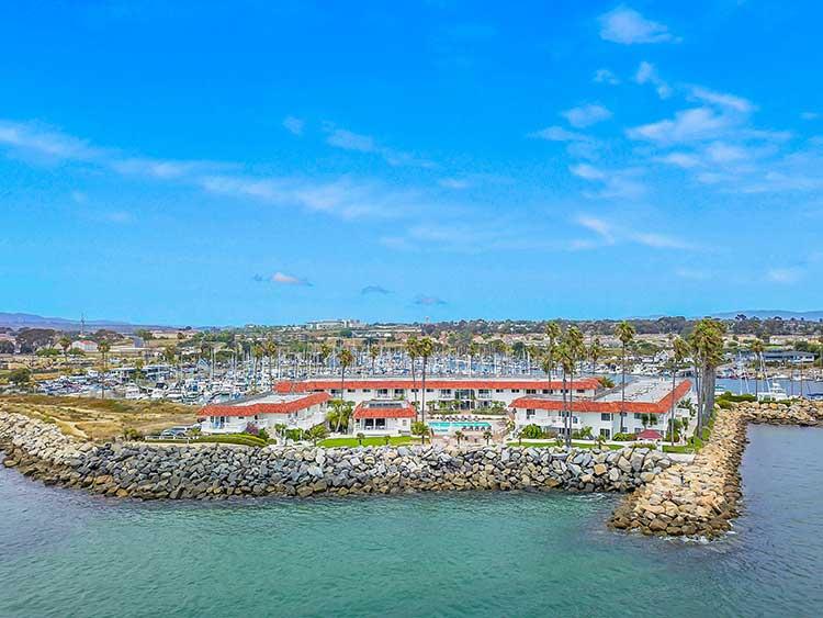 hotel & marina